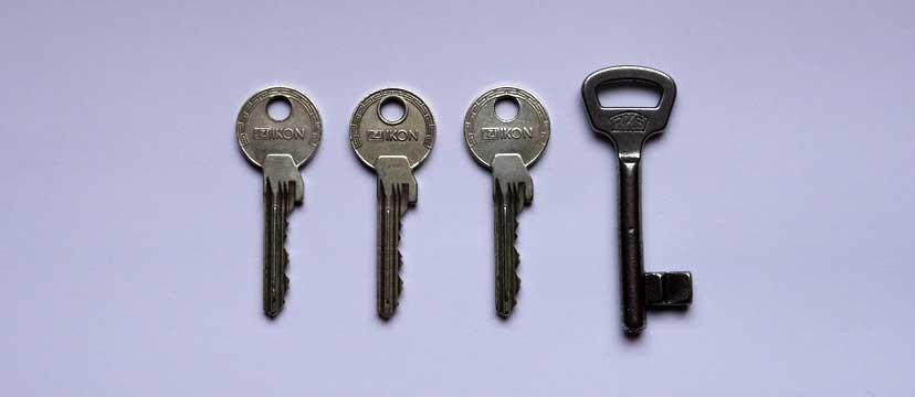 Haus- und Kellerschlüssel